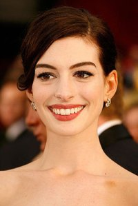 ce20b22174d350a5_anne-hathaway_s-oscar-makeupxlarger